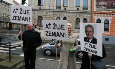 Obdivovatelé Miloše Zemana  (ČTK)