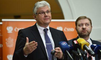 Miloslav Ludvík (Zbyněk Pecák)