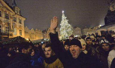 Oslavy Silvestra na Staroměstském náměstí v Praze v roce 2017  (ČTK)