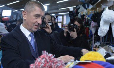 Ministr financí Andrej Babiš na kontrole EET v Harrachově (ČTK)