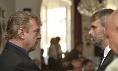 Bývalý detektiv ÚOOZ Jiří Komárek, kterému státní zástupce Petr Šereda předal zmanipulované usnesení GIBS, a jeho nadřízený Robert Šlachta  (ČTK)