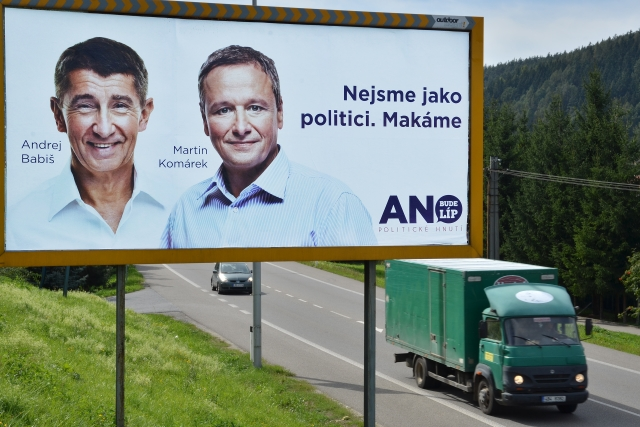 Andrej Babiš a Martin Komárek ve volební kampani 2013 (ČTK)