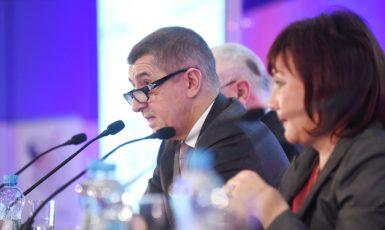 Ministr financí Andrej Babiš a jeho náměstkyně Alena Schillerová (ČTK)