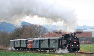 Parní lokomotiva. Rychlovlak do  Brna jen tak nebude. (čtk)