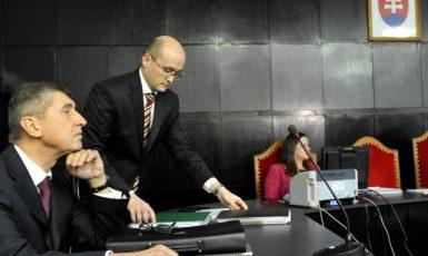 Andrej Babiš u Krajského soudu Bratislava I, kde 30. ledna 2014 probíhalo soudní líčení ve věci jeho evidence ve svazcích StB (ČTK)