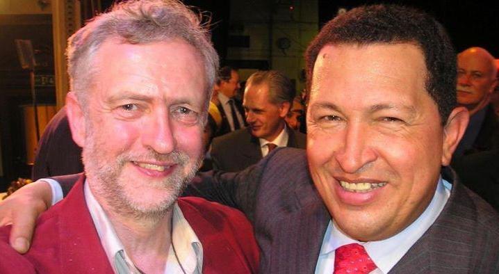 Jeremy Corbyn a Hugo Chávez (The Sun)