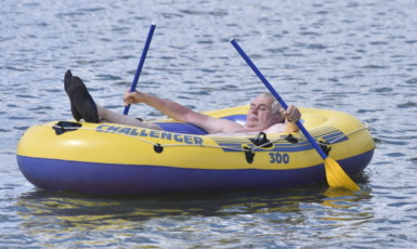 Prezident Miloš Zeman ve svém člunu  (ČTK)