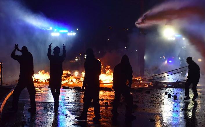 Protesty v Hamburku během summitu G20 v červenci 2017 (ČTK)