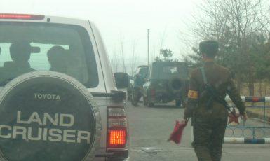 Checkpoint poblíž hranice mezi KLDR a Jižní Koreou (Václav Hubinger)