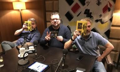 Jaroslav Kmenta se svojí knihou Boss Babiš a Těžkej Pokondr  (Twitter)