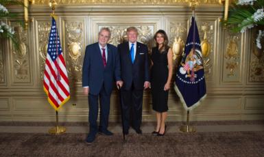 Zeman s Trumpem (Twitter Jiřího Ovčáčka)