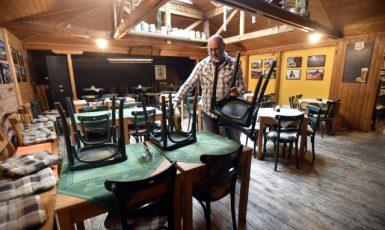 V krizi je mnoho oborů podnikání. Například řada majitelů restaurací a hospod je na pokraji krachu. (ČTK)