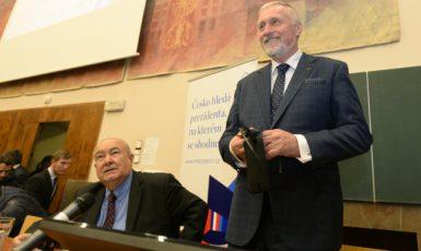 Mirek Topolánek na předvolební debatě kandidátů na prezidenta 8. listopadu  (ČTK)