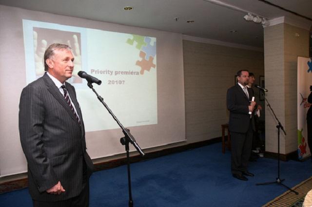 Mirek Topolánek (vlevo) a Martin Říman (Úřad vlády České republiky)
