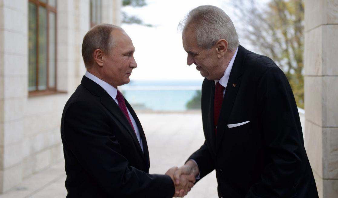 Miloš Zeman a Vladimir Putin (Twitter Jiřího Ovčáčka)