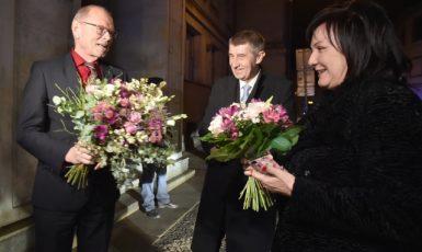 Exministr financí Ivan Pilný, jeho nástupkyně Alena Schillerová a premiér Andrej Babiš  (ČTK)