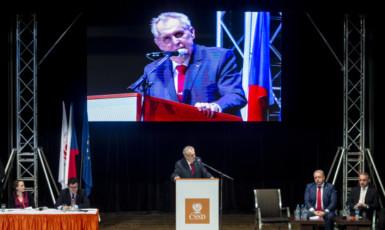 Prezident Miloš Zeman na mimořádném volebním sjezdu ČSSD (ČTK)