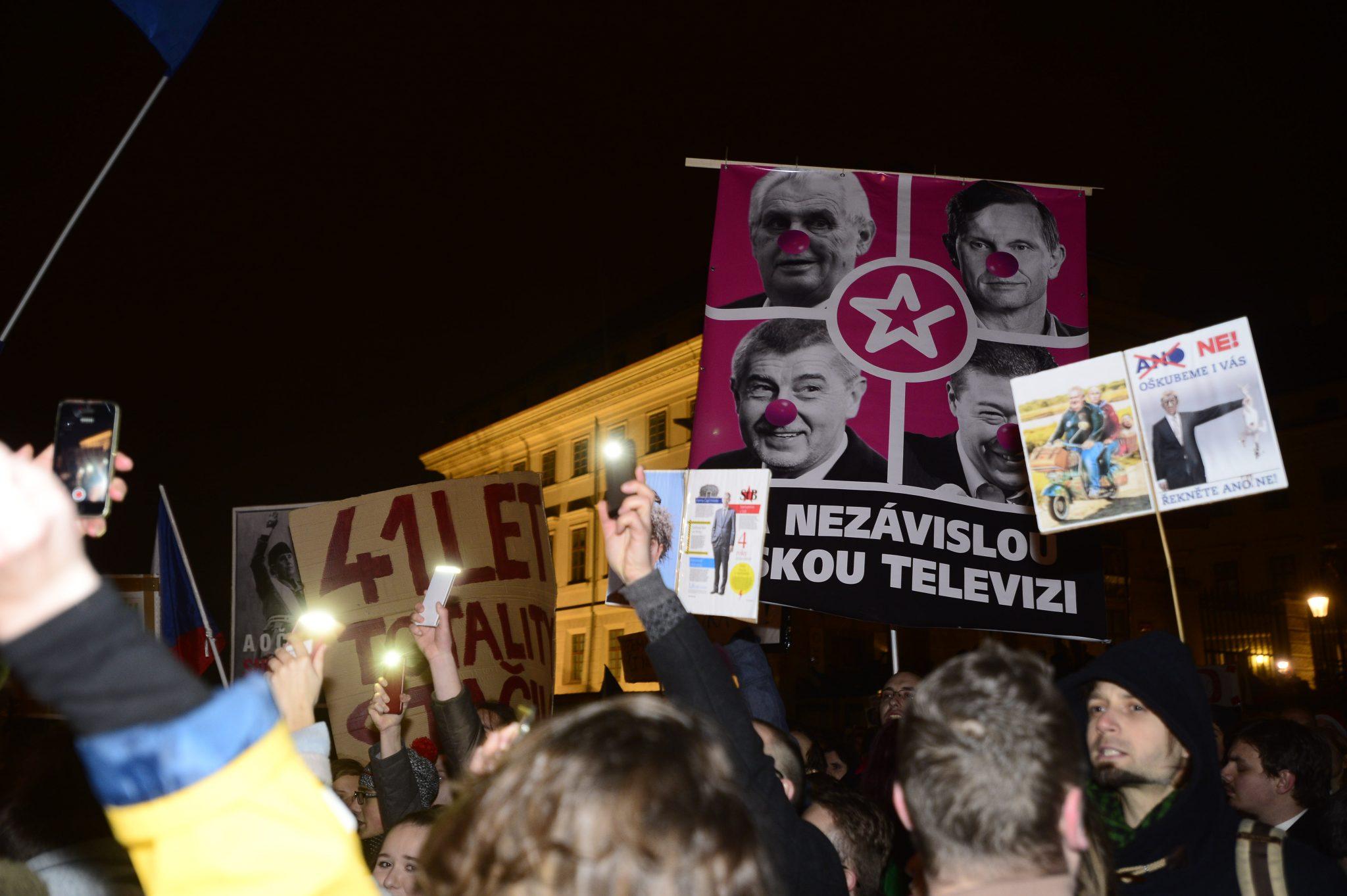 Demonstrace za svobodu médií (Zbyněk Pecák)