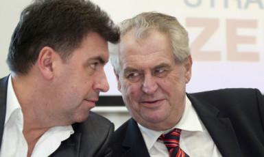 Miloš Zeman krátce po svém prvním zvolení prezidentem se svým hlavním poradcem Martinem Nejedlým v březnu 2013 (ČTK)