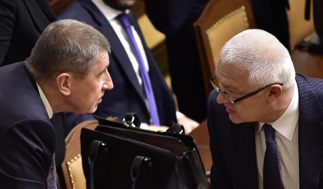 Premiér v demisi Andrej Babiš a předseda Poslaneckého klubu ANO Jaroslav Faltýnek (ČTK)