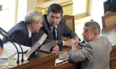Předseda KSČM Vojtěch Filip, předseda ČSSD Jan Hamáček a předseda ANO Andrej Babiš (ČTK)
