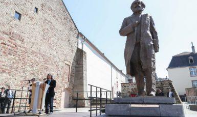 Odhalení sochy Karla Marxe v Trevíru (ČTK)
