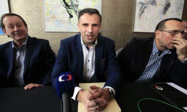 Jiří Zimola (uprostřed) při představení krtitické platformy Zachraňme ČSSD (5. 1. 2018)  (ČSSD)