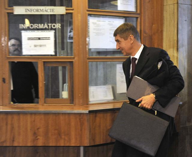 Andrej Babiš přichází ke Krajskému soudu Bratislava, kvůli žalobě na Ústav paměti národa.  (ČTK)