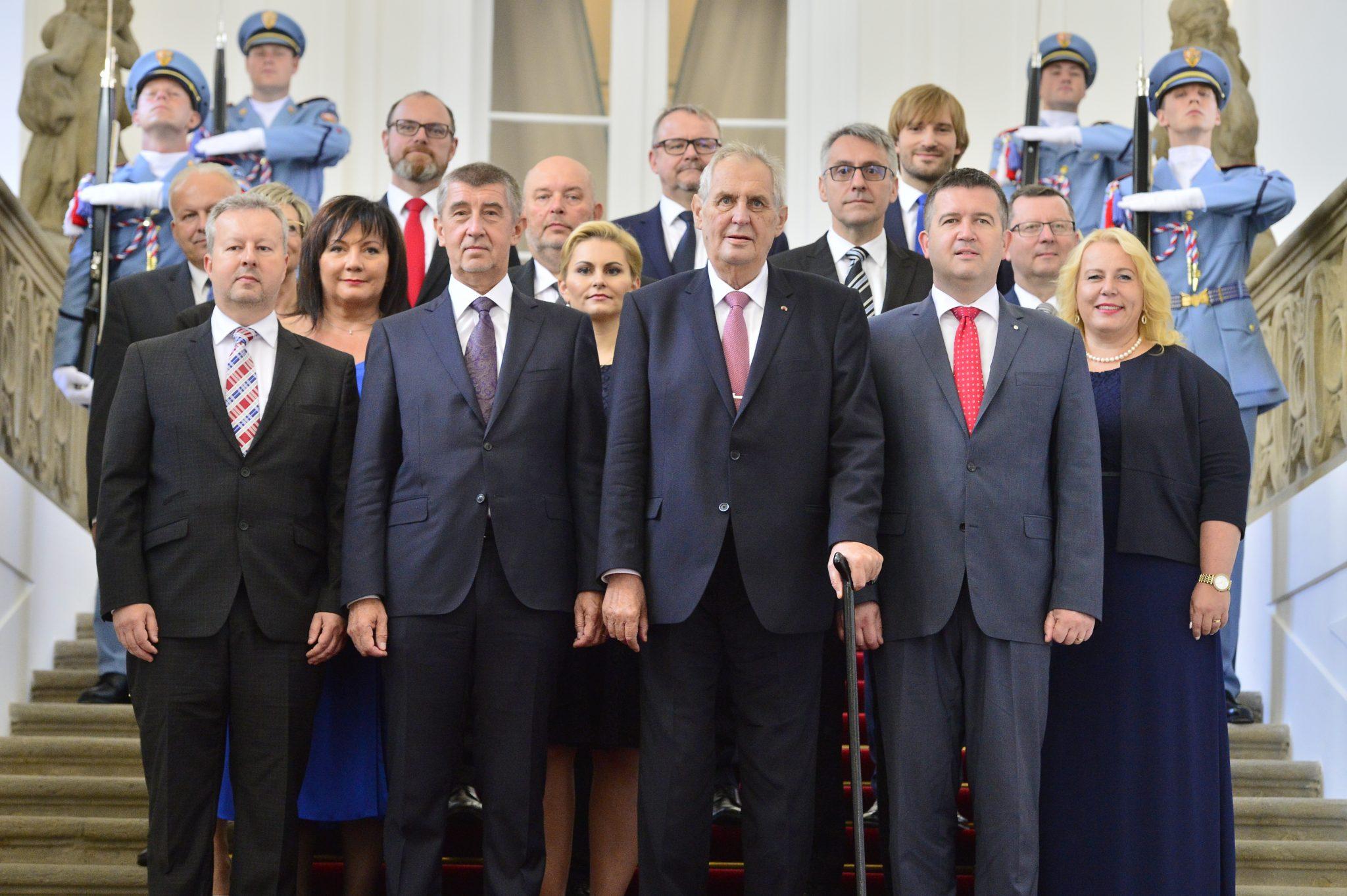 Druhá vláda Andreje Babiše krátce po svém jmenování v červnu 2018 (Zbyněk Pecák)