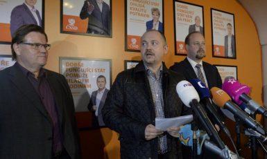 Zdeněk Škromach, Michal Hašek a Jeroným Tejc (ČTK)
