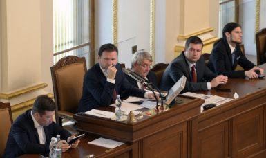 Předseda Poslanecké sněmovny Radek Vondráček (ANO) řídí schůzi (ČTK)