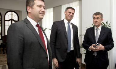Jan Hamáček, Jiří Zimola a Andrej Babiš  (ČTK)