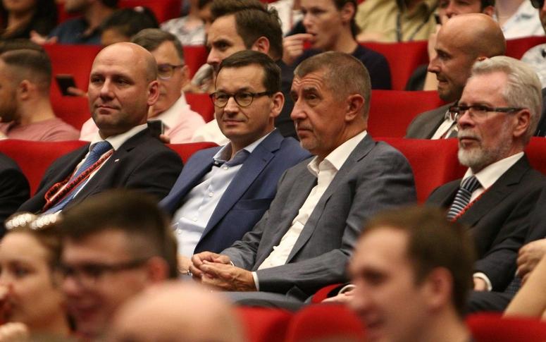 Babiš a polský premiér Mateusz Morawiecki. (Twitter)