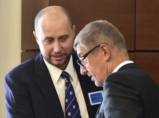 Ředitel GIBS Radim Dragoun a premiér Andrej Babiš  (ČTK)
