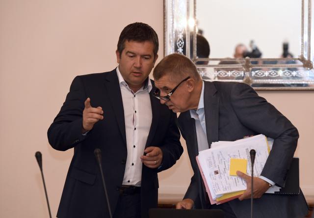Ministr vnitra Jan Hamáček a premiér Andrej Babiš  (ČTK)
