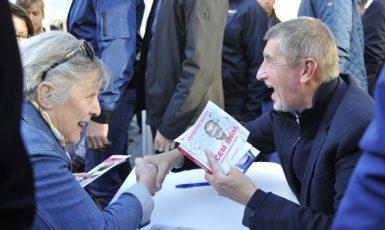 Premiér Andrej Babiš ve volební kampani  (ČTK)