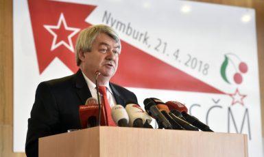 Předseda Vojtěch Filip na sjezdu KSČM v Nymburce  (ČTK)