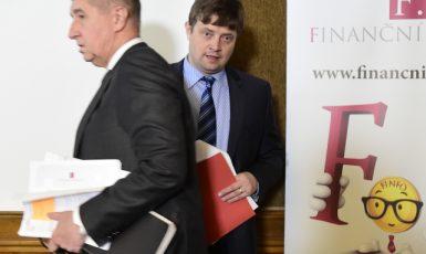 Premiér Andrej Babiš a končící ředitel Finanční správy Martin Janeček  (ČTK)