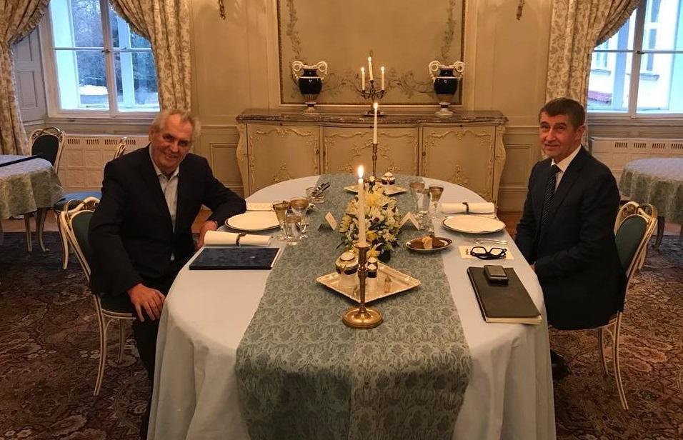 Prezident Miloš Zeman a premiér Andrej Babiš (FB Hrad)