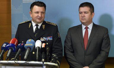 Končící policejní prezident Tomáš Tuhý a ministr vnitra Jan Hamáček  (ČTK)