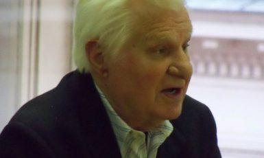 Bývalý komentátor Rudého práva, dnes Haló novin, Jaroslav Kojzar (FB)