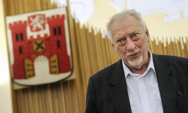Ve věku 86 zemřel 10. listopadu 2018 večer novinář a publicista Jan Petránek, dlouholetý redaktor Československého rozhlasu.  (ČTK)