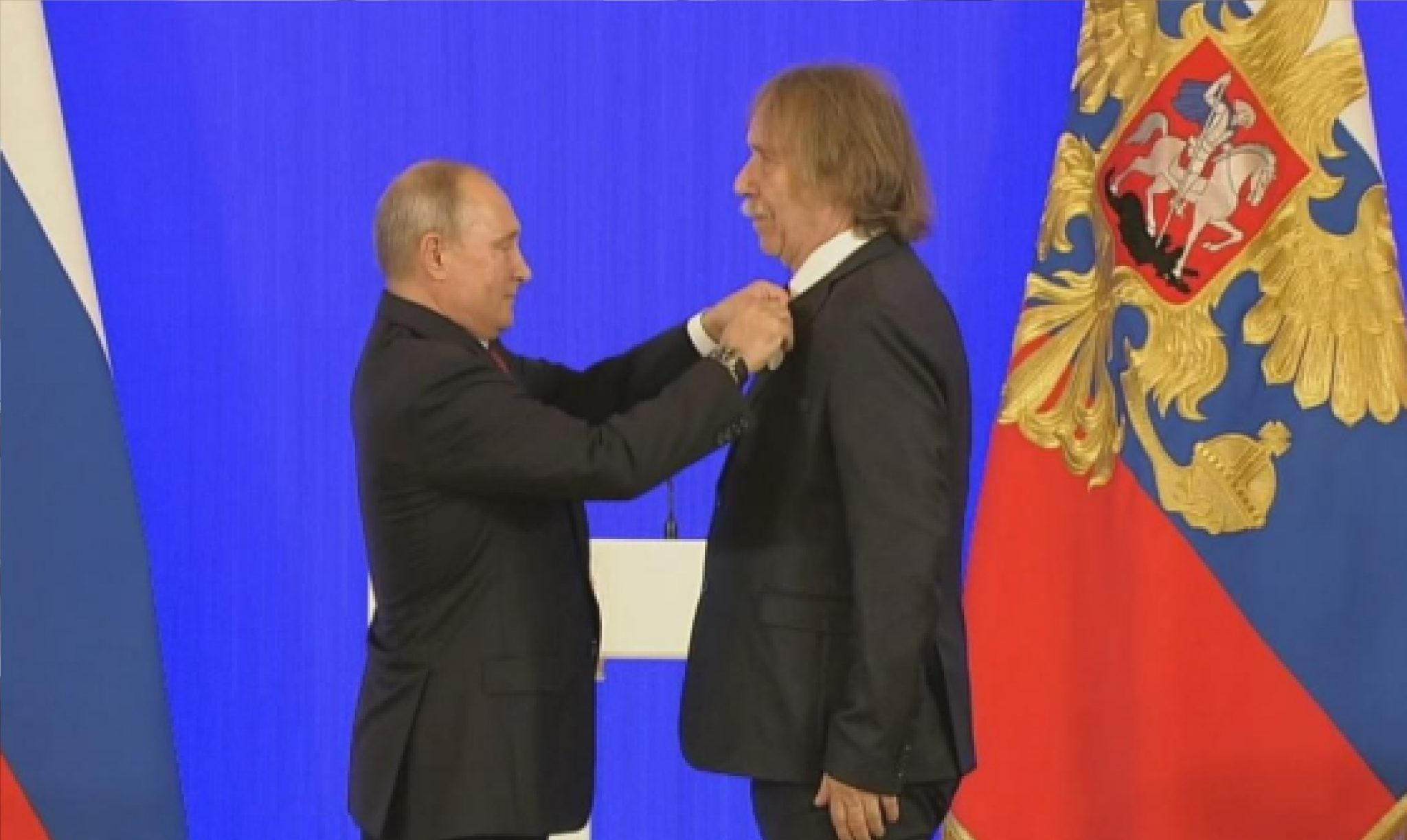 Vladimír Putin a Jaromír Nohavica (ČT)
