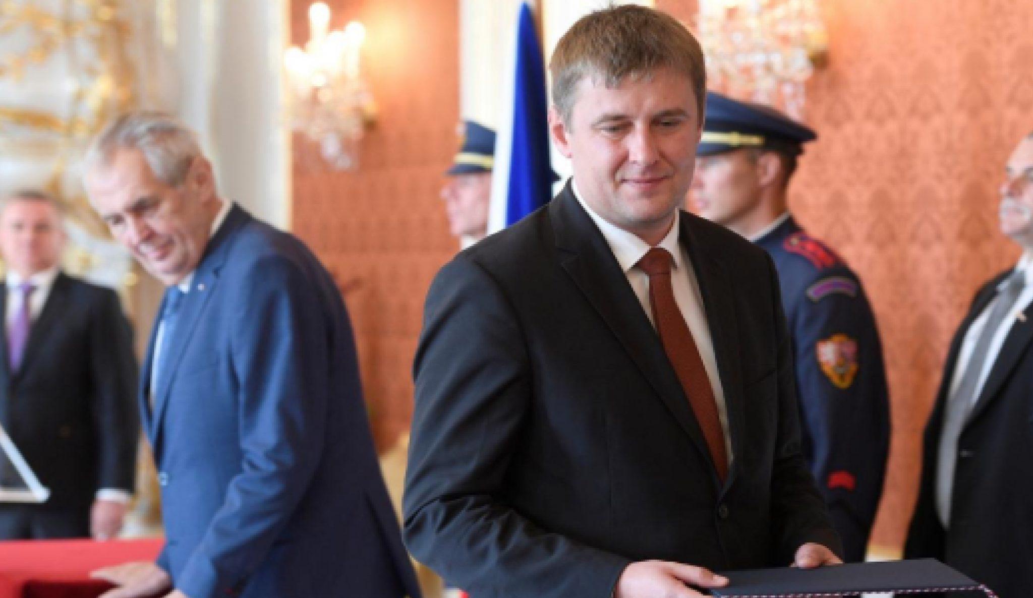 Jmenování Tomáše Petříčka ministrem zahraničí. (ČT)