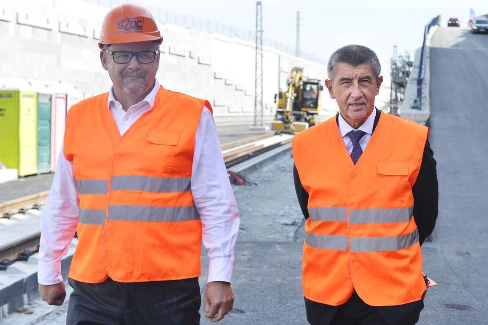 Exministr dopravy Dan Ťok a premiér Andrej Babiš (Facebok Andreje Babiše)