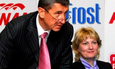 Generální ředitel skupiny Agrofert Andrej Babiš a ředitelka společnosti ProFrost Simona Sokolová  (2007) (ČTK)