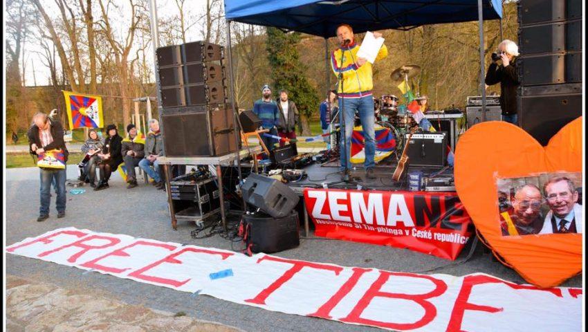Czechs Support Tibet