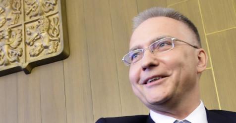Kdo je Michal Koudelka? Nepohodlný pro Zemana, odmítající se podřídit politické objednávce, chválí opozice