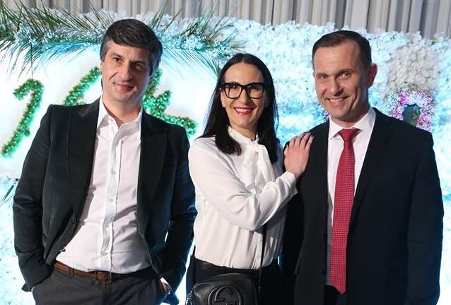 Alexandra Udženija na oslavě 50. narozenin Jaromíra Soukupa. (Facebook Barrandov.tv)