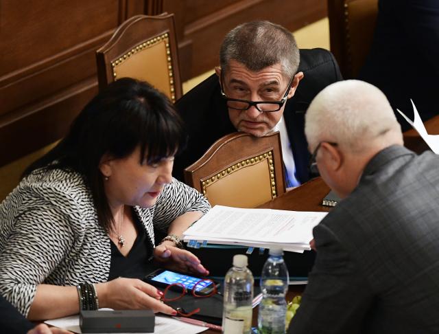 Ministryně financí Alena Schillerová, premiér Andrej Babiš a předseda poslaneckého klubu ANO Jaroslav Faltýnek  (ČTK)